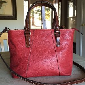 ❣️FOSSIL Embossed Red Leather Tote & Shoulder Bag!